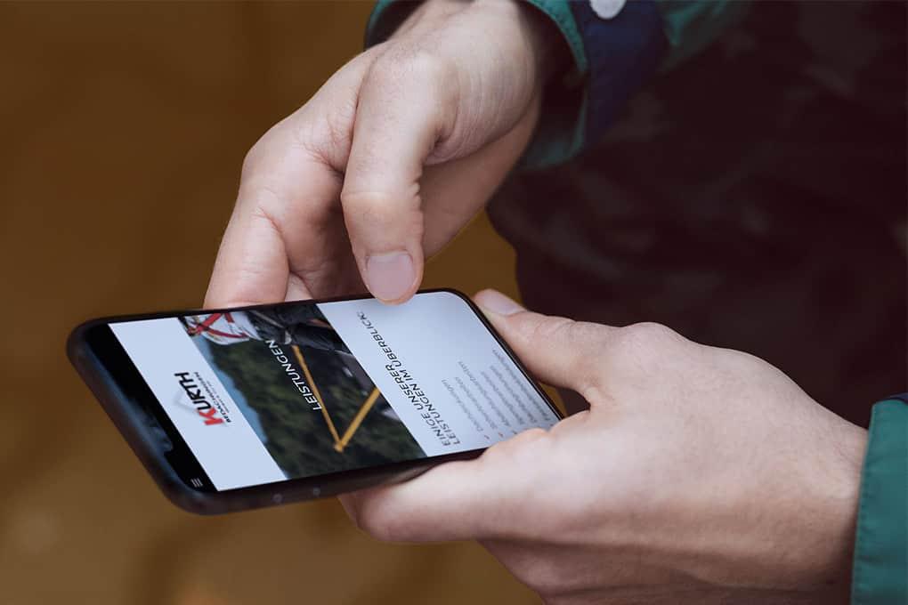 Dachdeckerwebseite für Smartphone optimiert